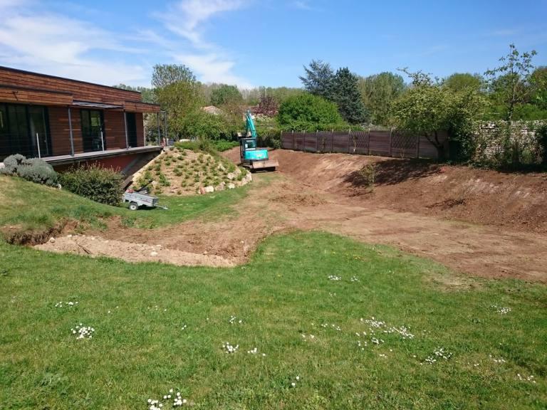 Terrassement et terrassement piscines sarl jeanneau for Entretien jardin chatellerault