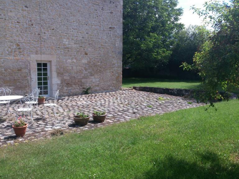 Entretien de jardins et d 39 espaces verts sarl jeanneau for Entretien jardin 86