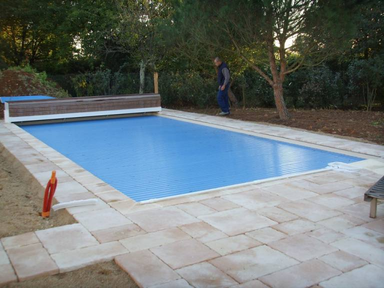 Amenagement tour de piscines terrasse sarl jeanneau for Piscine poitiers